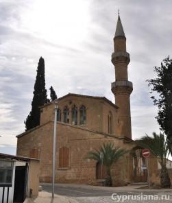 Церковь и мечеть