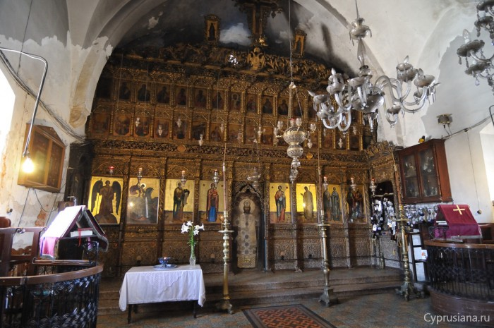 В храме монастыря апостола Андрея