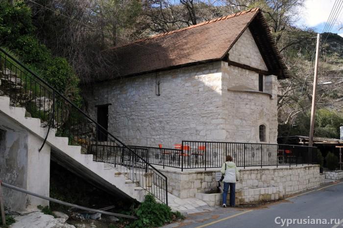 Церковь Agia Mavra в Килани