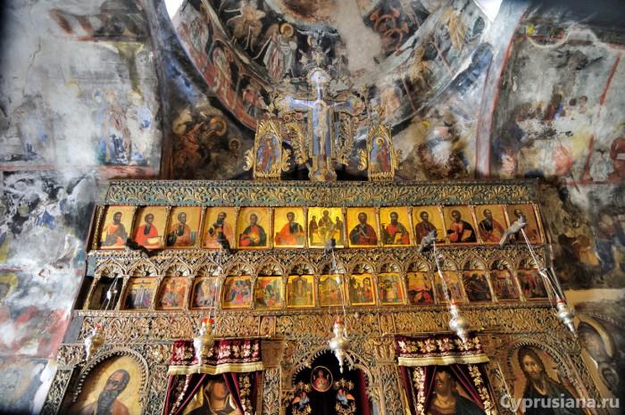 Иконостас в церкви Панагии Хриселеусы