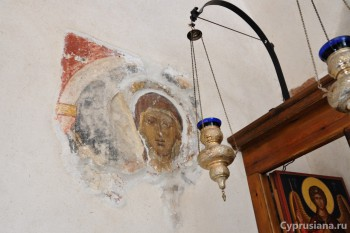 Пирга. Фрески на стенах церкви св. Марины