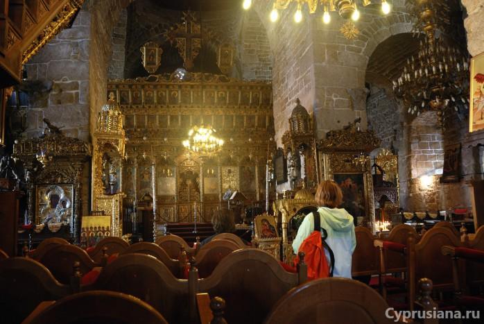 Внутри церкви св. Лазаря