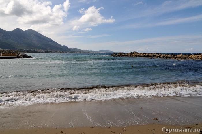 У моря в районе Лапитоса