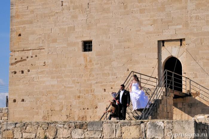 Вход в замок Колосси