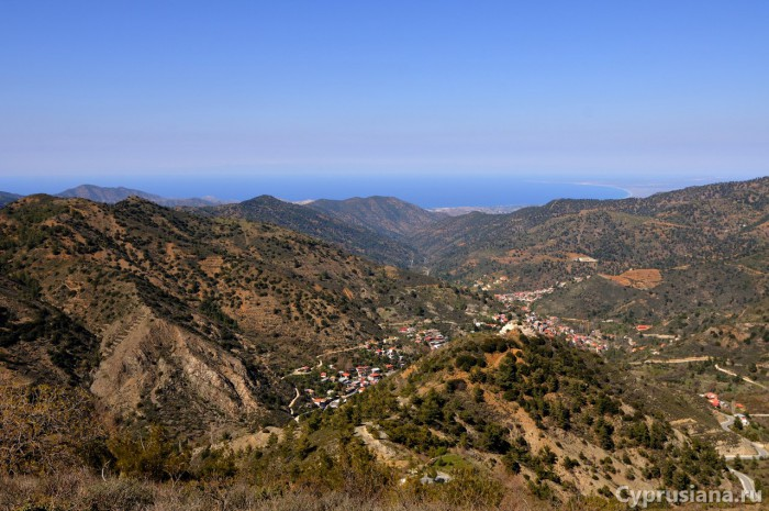 Вид с вершины холма