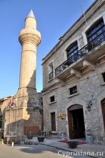 Мечети и церкви