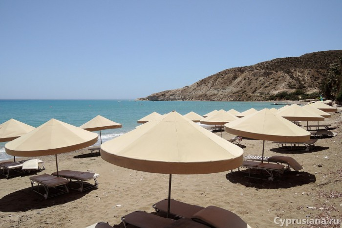 Пляж в Pissouri Bay
