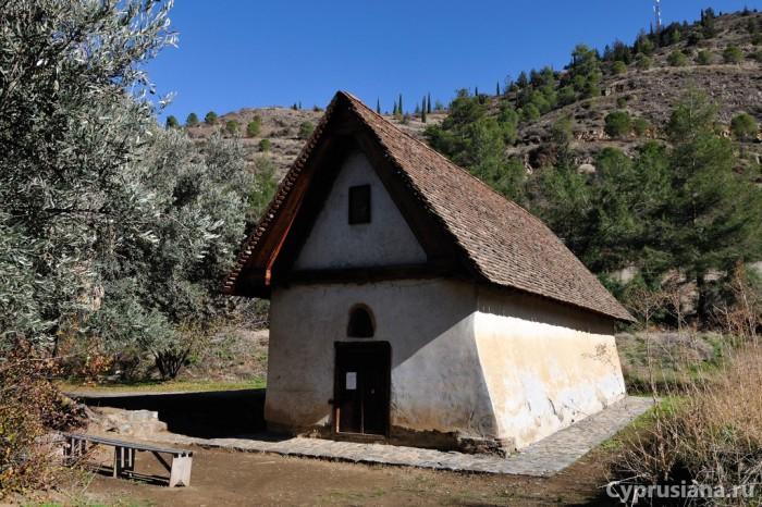 Церковь архангела Михаила в Галате