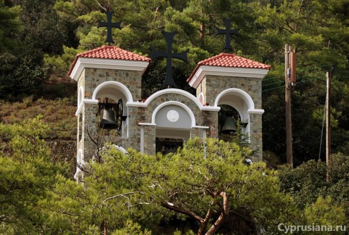 Колокольня монастыря Киккос