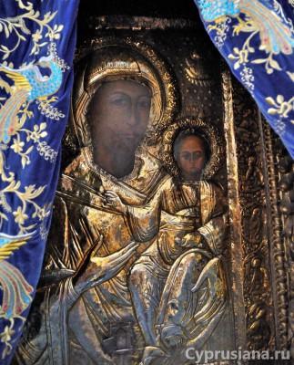 Икона Богородицы Фанеромени в окладе