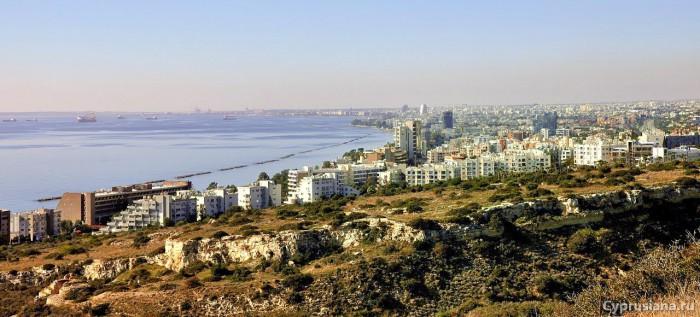Вид на Лимасол с вершины Аматуса