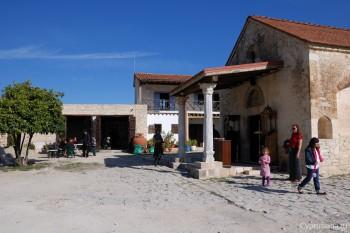На территории монастыря архангела Михаила