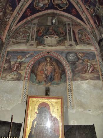 Троица, Моисей получает скрижали, Моисей перед Неопалимой купиной; Богоматерь на троне: восточная стена и конха апсиды Латинской капеллы
