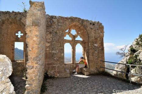 В замке св. Иллариона