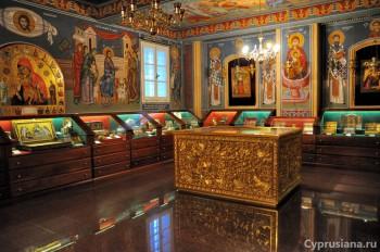 Мощи в монастыре Киккос