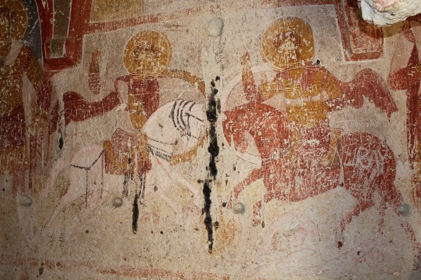 Святые воины. Роспись церкви Юсуф Коч в Гёрёме (Каппадокия). XI век