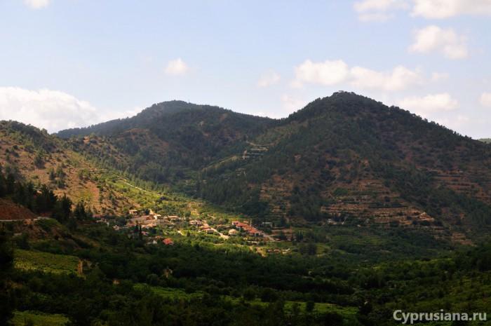 Вид на деревню Tsakistra