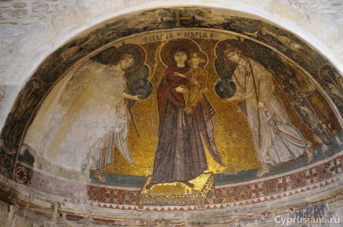 Богоматерь с ангелами. Мозаика из Кити.