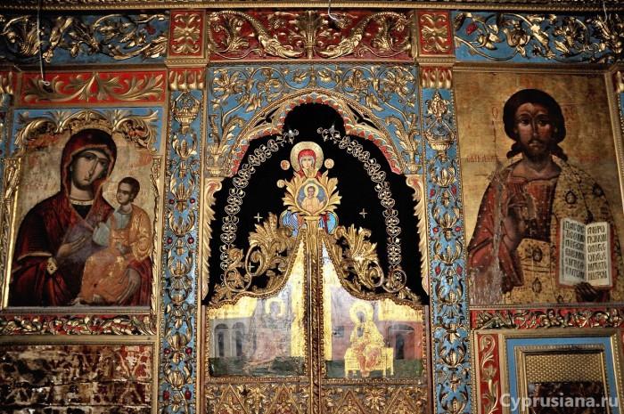 Царские ворота церкви Богородицы Амиру