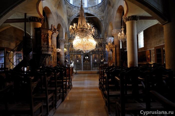 Внутри церкви св. Мамаса