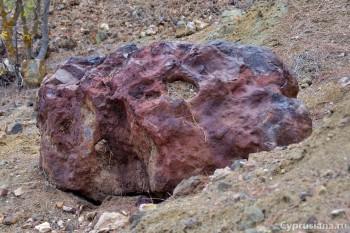 Колоритные камни