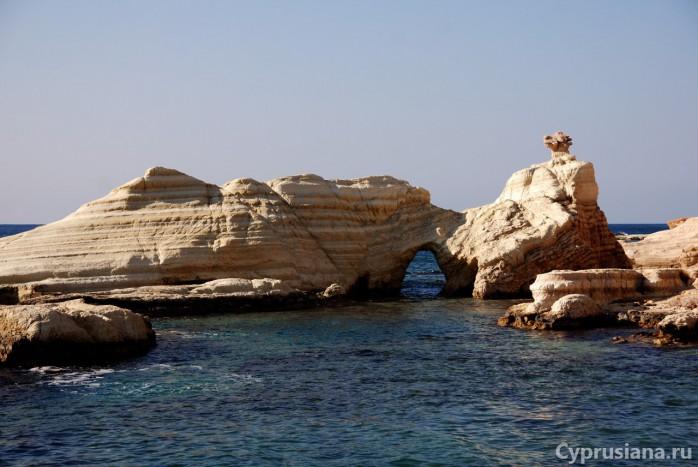 Морские пещеры под Пафосом