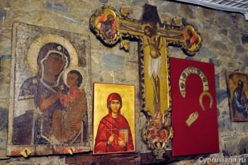 Фрески и иконы
