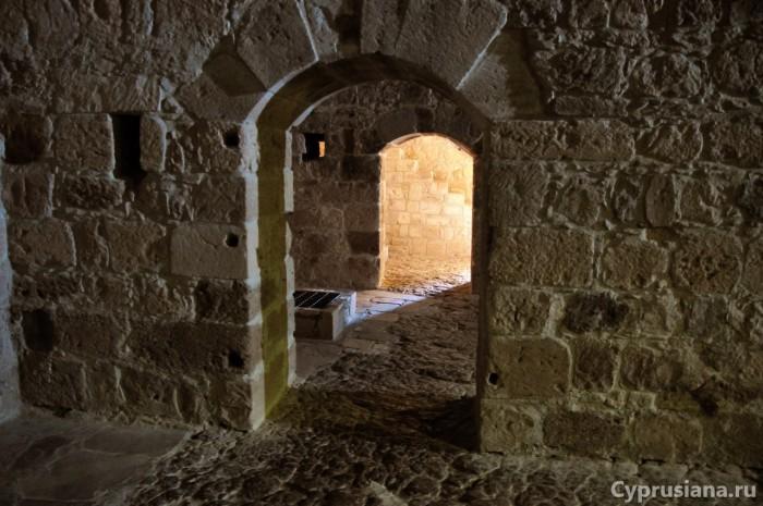 Первый этаж замка Колосси